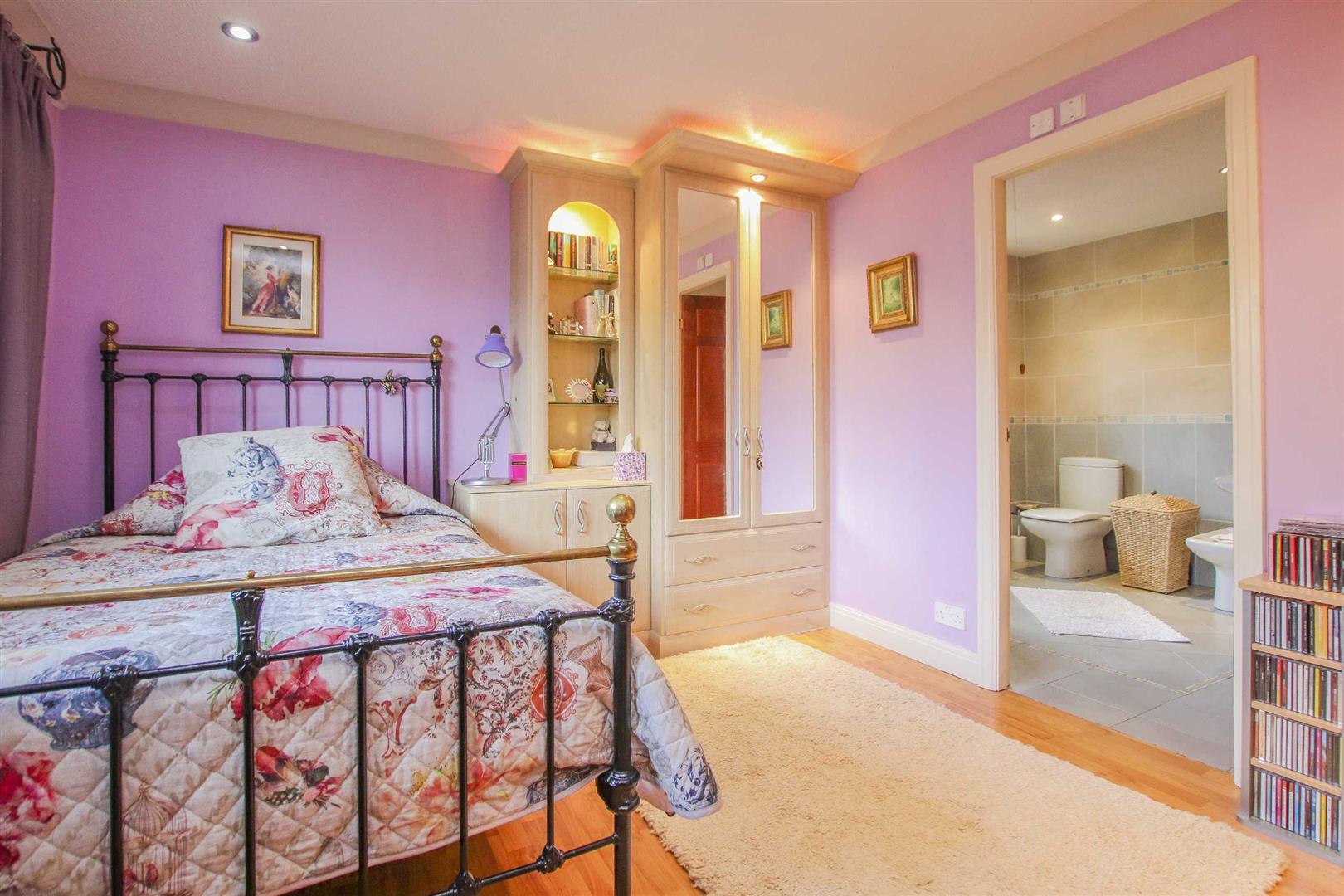 4 Bedroom Detached House For Sale - Image 8